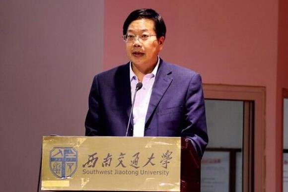 表彰大会在《中国青年志愿者之歌》中圆满落下帷幕.-新青年素质网